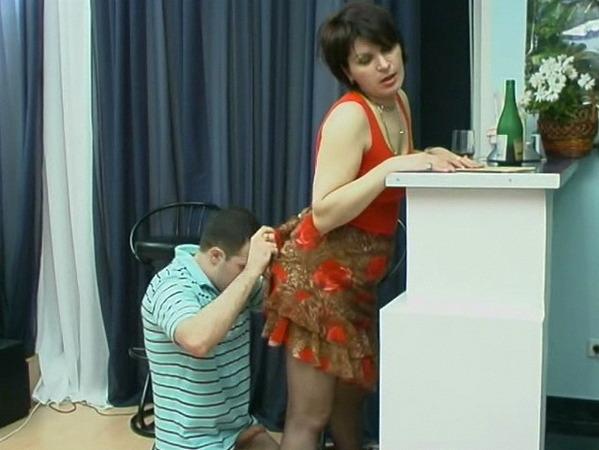кончить маме сын помог