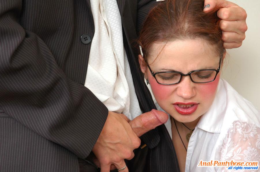 Принудили секретаршу сосать онлайн фото 670-781