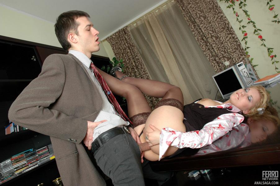 Порно оттрахал свою начальницу