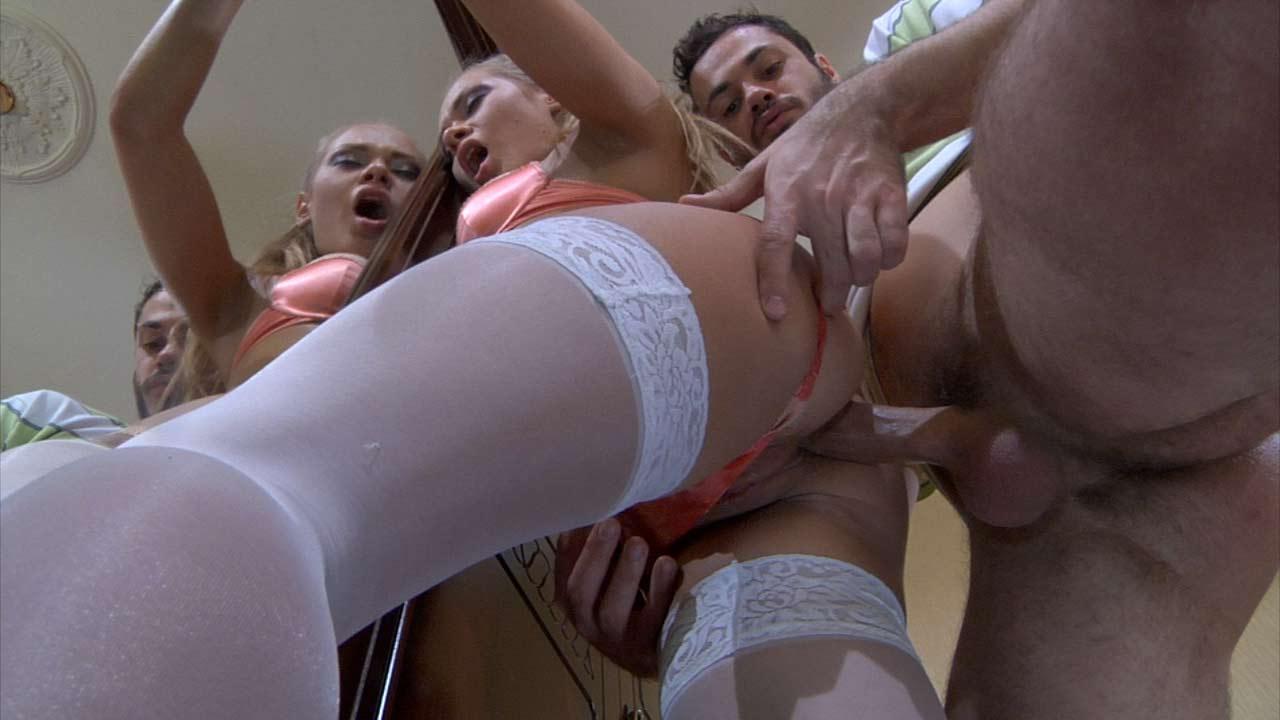 Emeralda & Geffrey hardcore anal movie