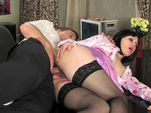 Секс в попку секретарша фото