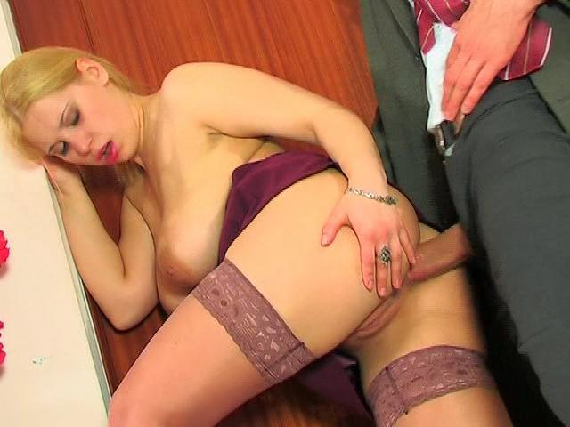 Boss Using Special Disciplining Methods in Babe's Butthole