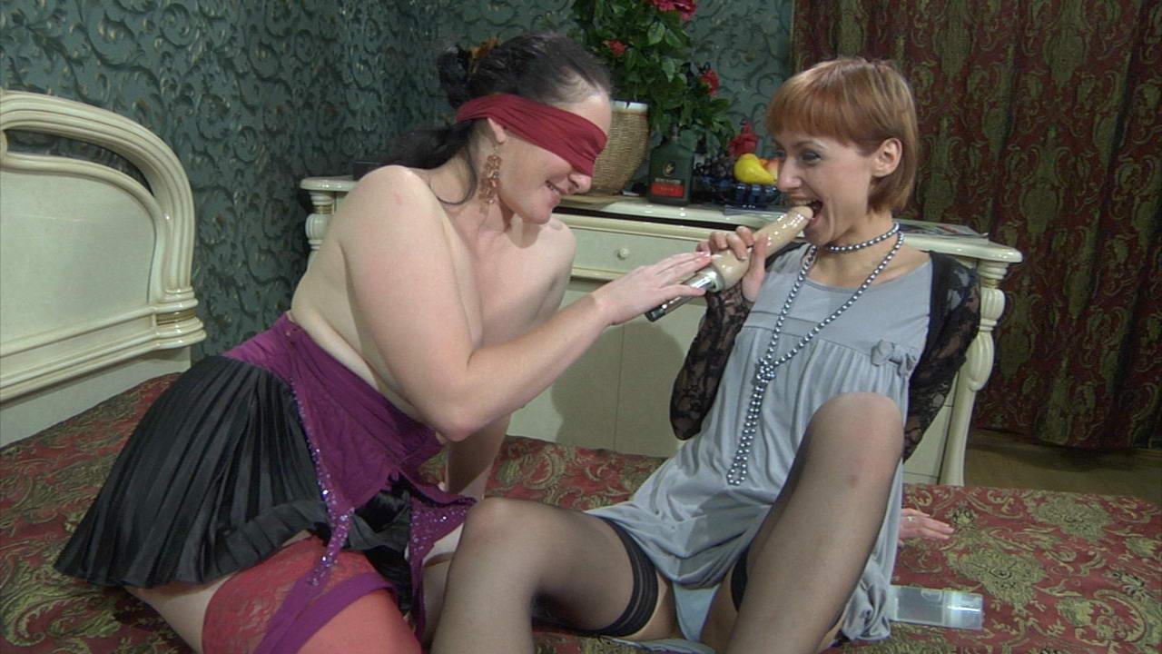 fc backdoorlesbians g1015 17 MomsGiveAss :: Elsa&Charles anal mature on video
