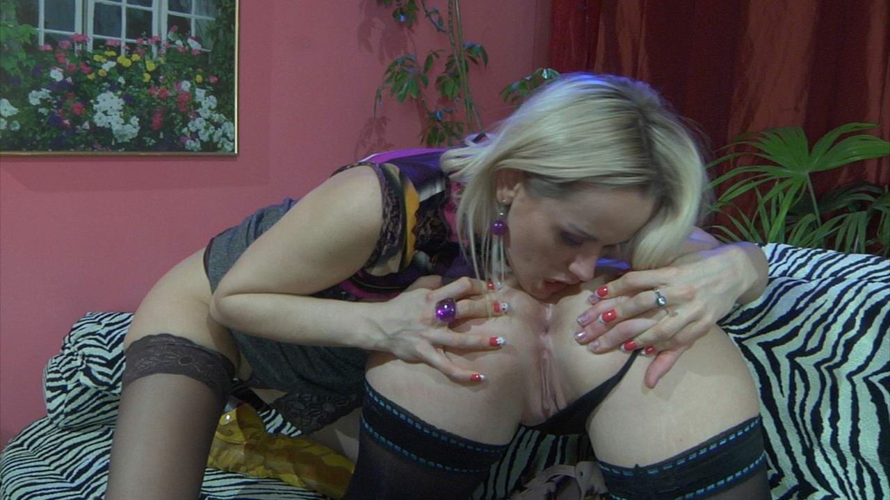 Ethel & Susanna anal lesbian video