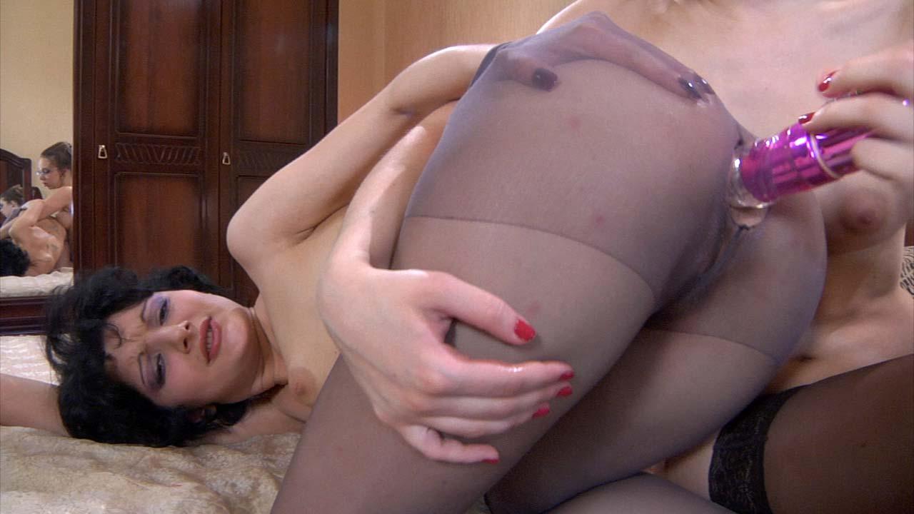 Inessa & Paulina nasty anal lesbian video
