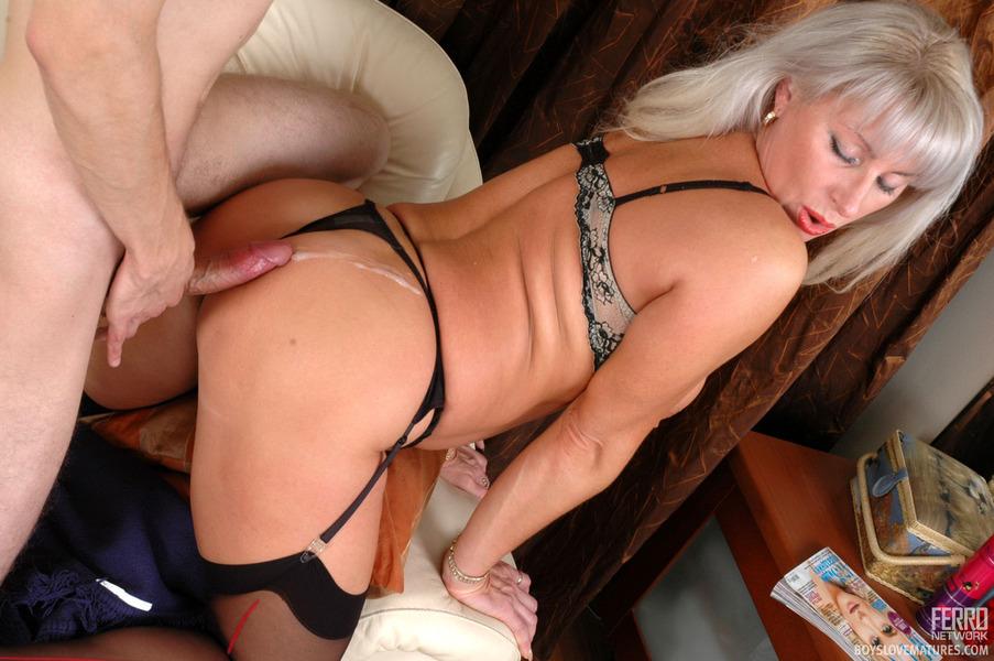 Молодые мамочки порно фото онлайн фото 134-98