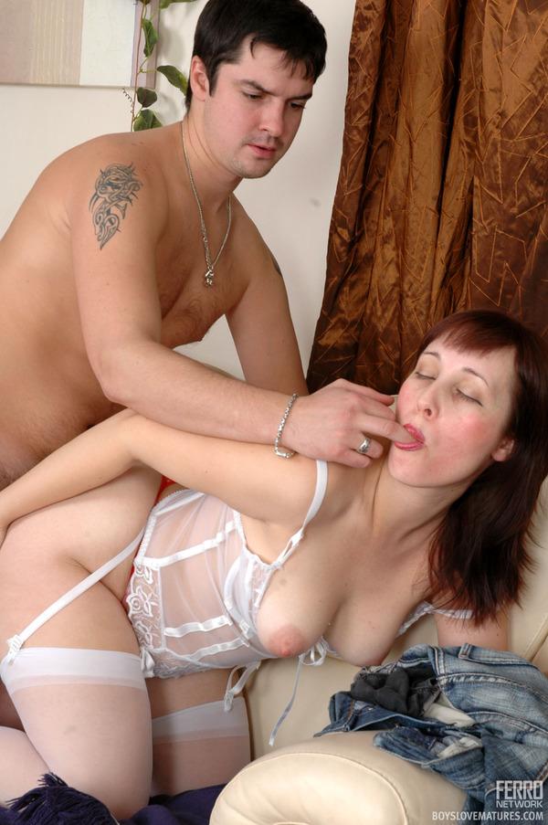 Зрелая секси мамочка