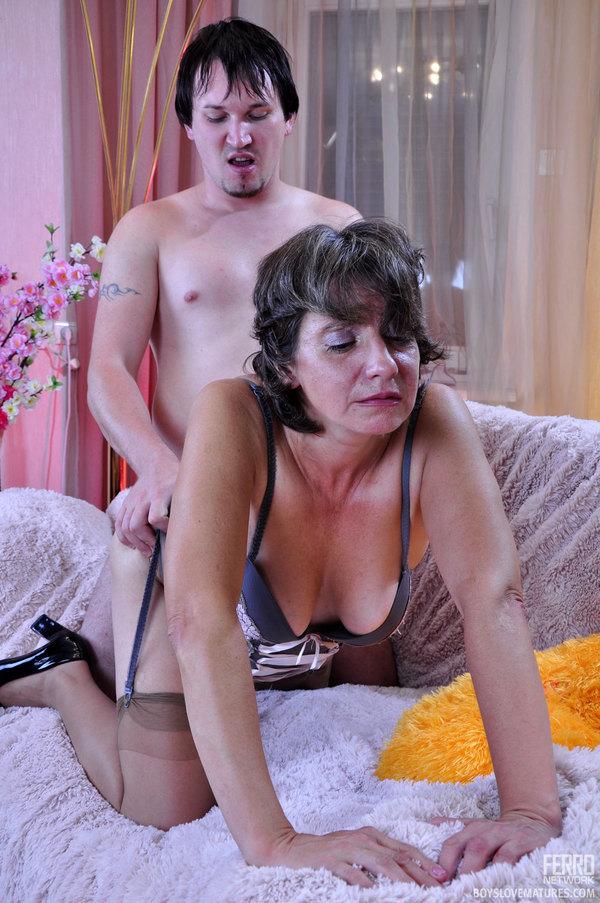 Sexy matures womens masturbation
