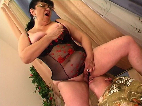 Mom Fucked By Boy Caught On Camera - Slutloadcom