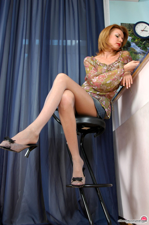 In Pantyhose Dennis 77