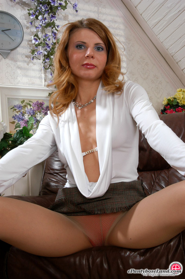 Alice Pantyhose 63