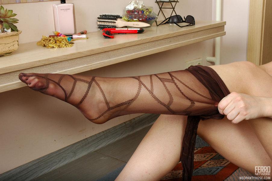 где найти фетишиста женских ног и чулков наша… прям