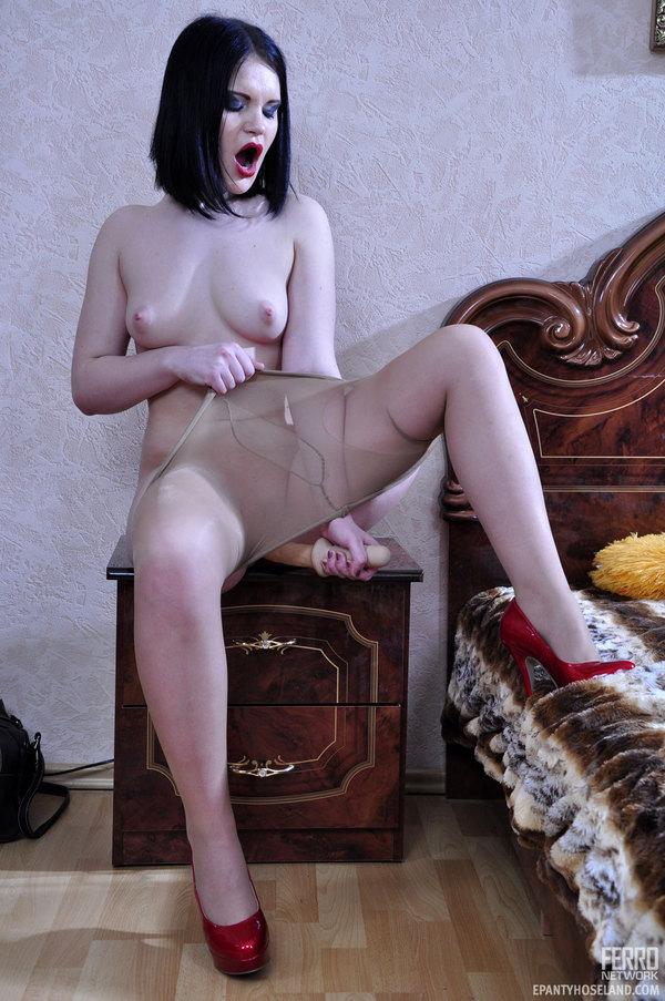 Nude Pantyhose Lewd 94