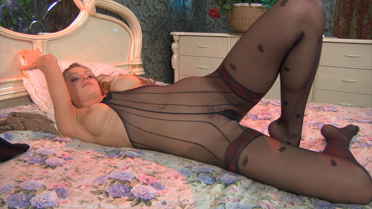 Rosa in naughty pantyhose video