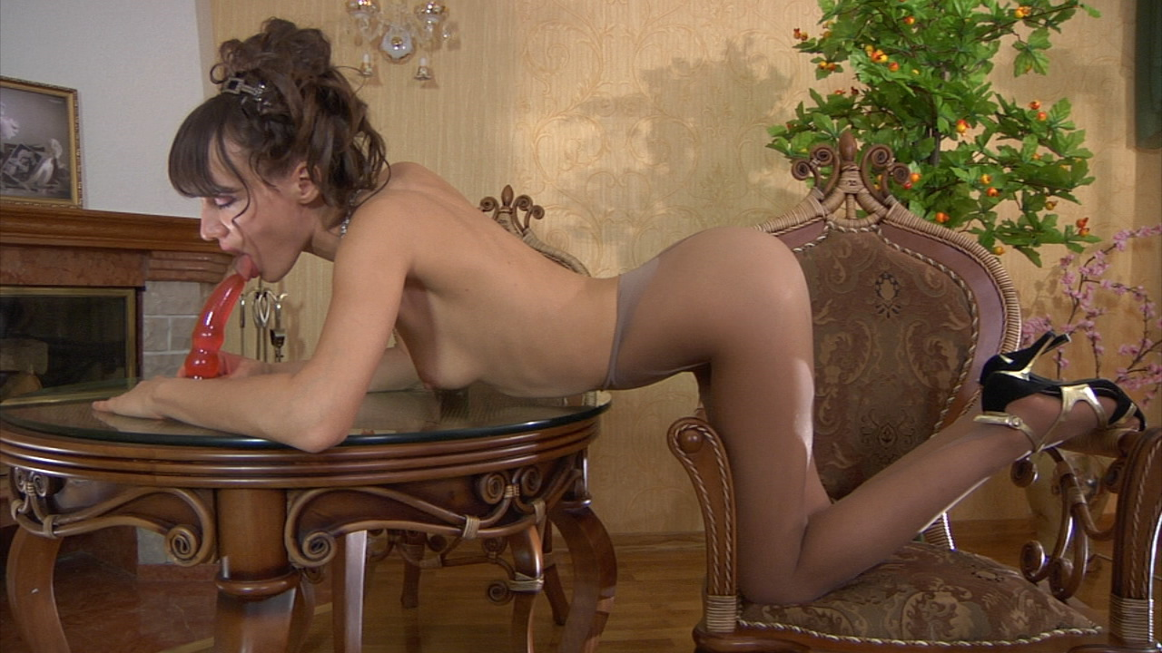 Viola in hot pantyhose video