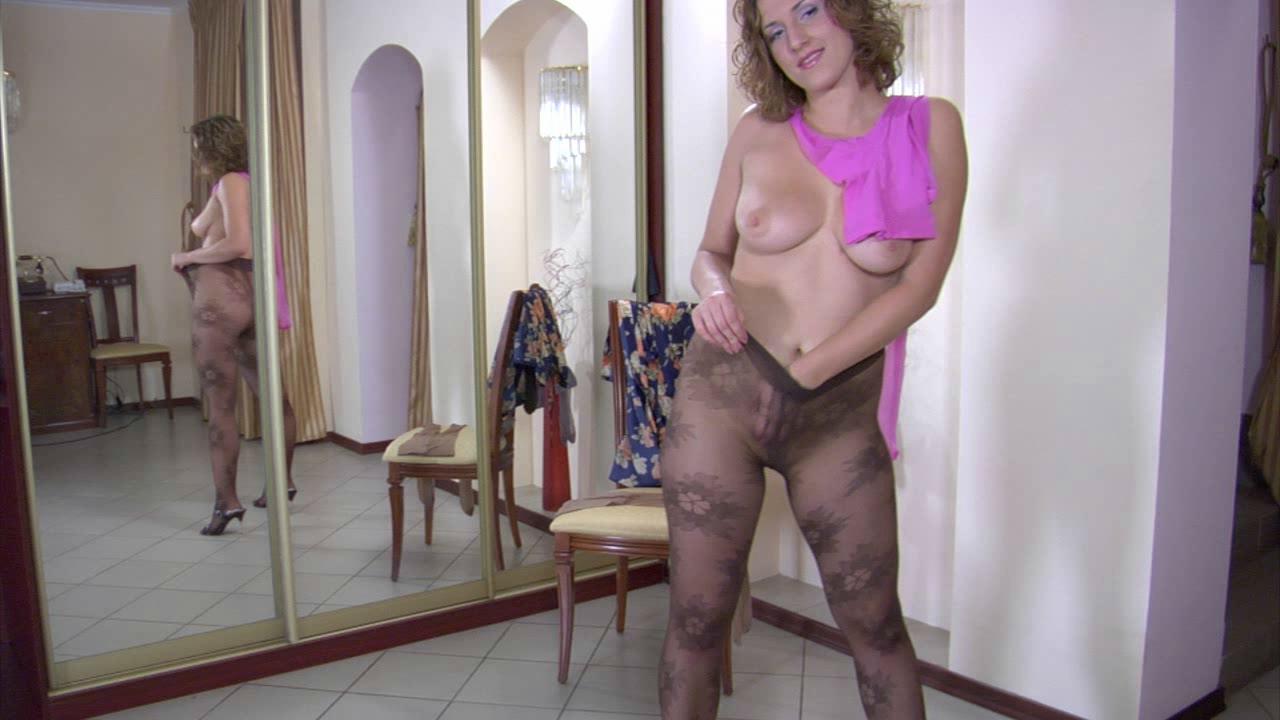 Jaclyn in pantyhose video