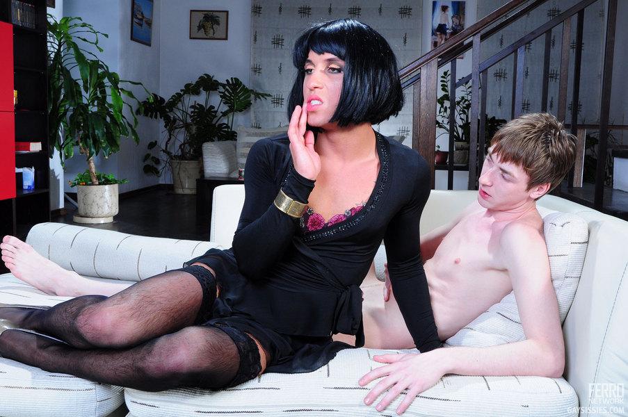 Кроссдрессер и геи смотреть онлайн
