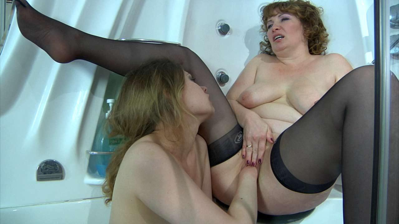 Flo & Alana mature lesbian movie