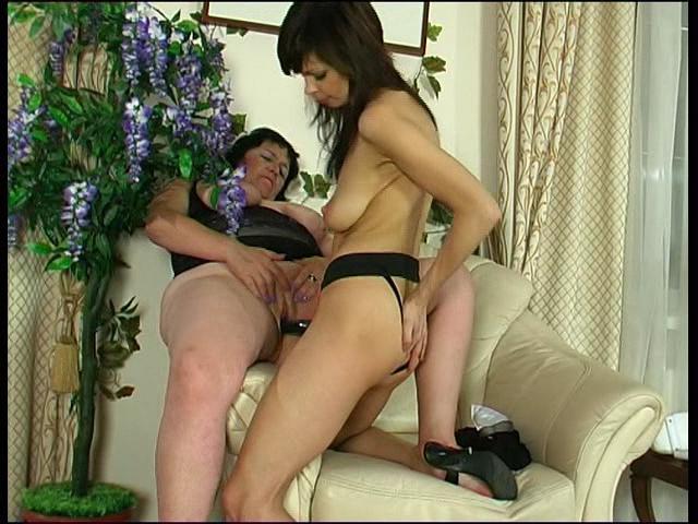 Victoria & Gertie lesbian mature action