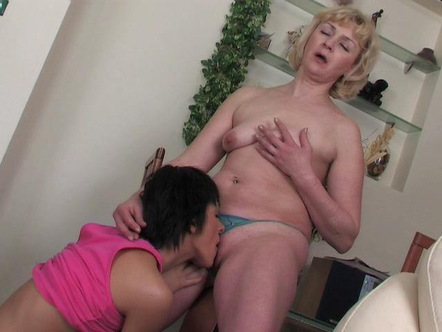 Emilia & Sheila mature lesbian movie