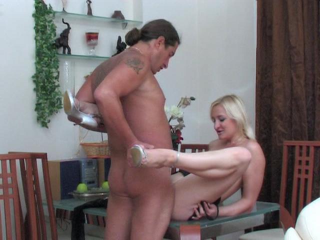 Caroline & Morgan girl and daddy video