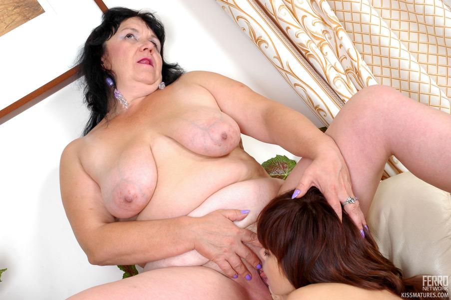 Эротические картинки про лезбиянок