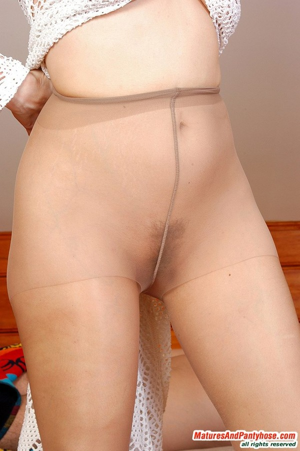 galleries ferronetwork fhg maturesandpantyhose 021 1 mph g021 077