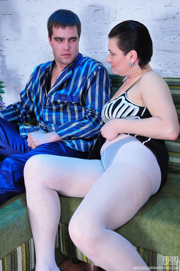 girlfriend sleeping naked forced exposed