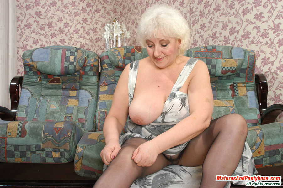 Pantyhose granny thumbnails