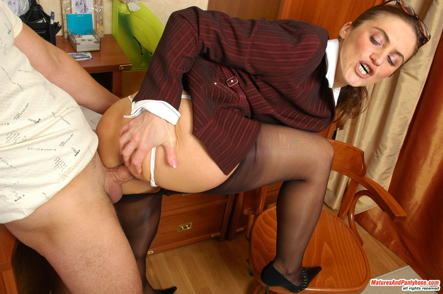 Sons toung in moms tight pussy
