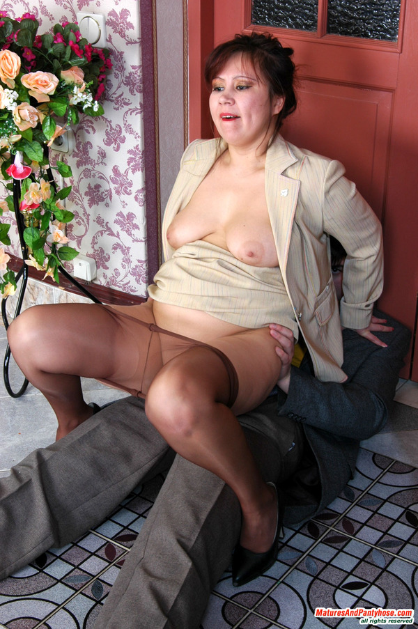 In pantyhose mature pantyhose ho