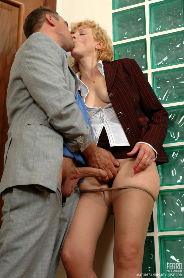 Woman Mature Pantyhose Sex 51
