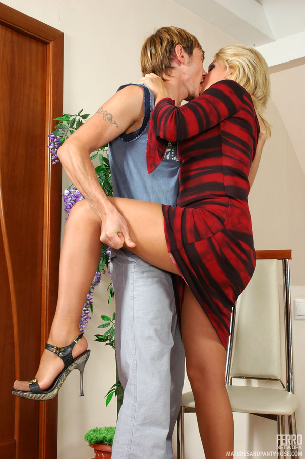 matures-and-pantyhose-lowering-blonde-nude