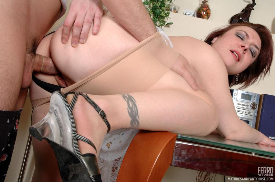 Women in pantyhose tgp