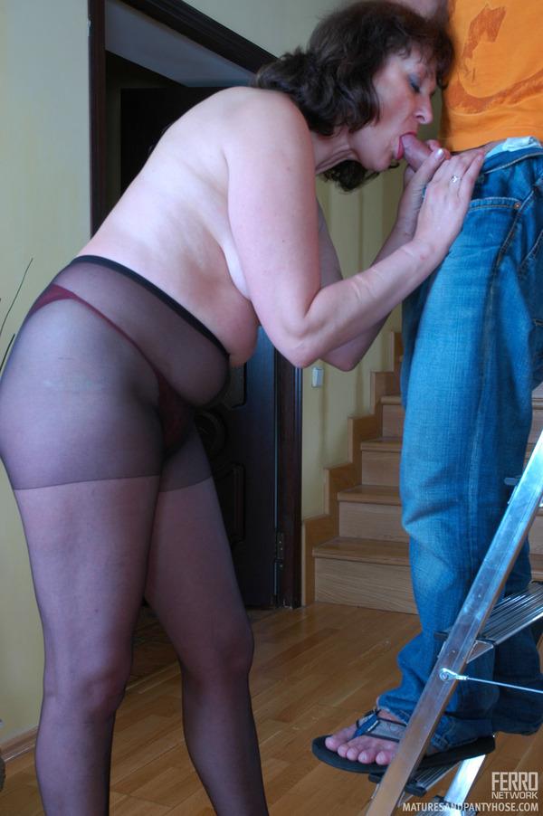 Sabrina carpenter naked and having sex
