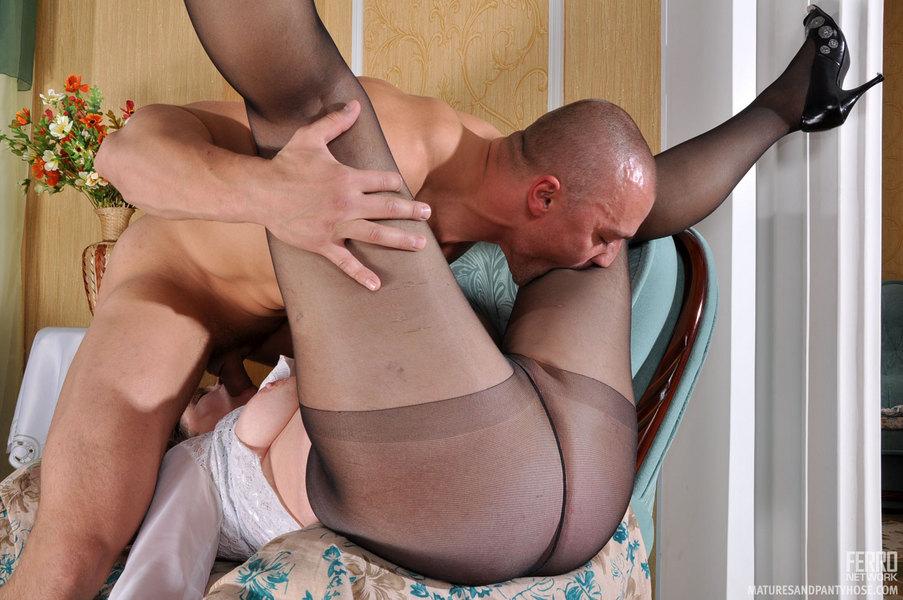 порно фото затраханая зрелая служанка