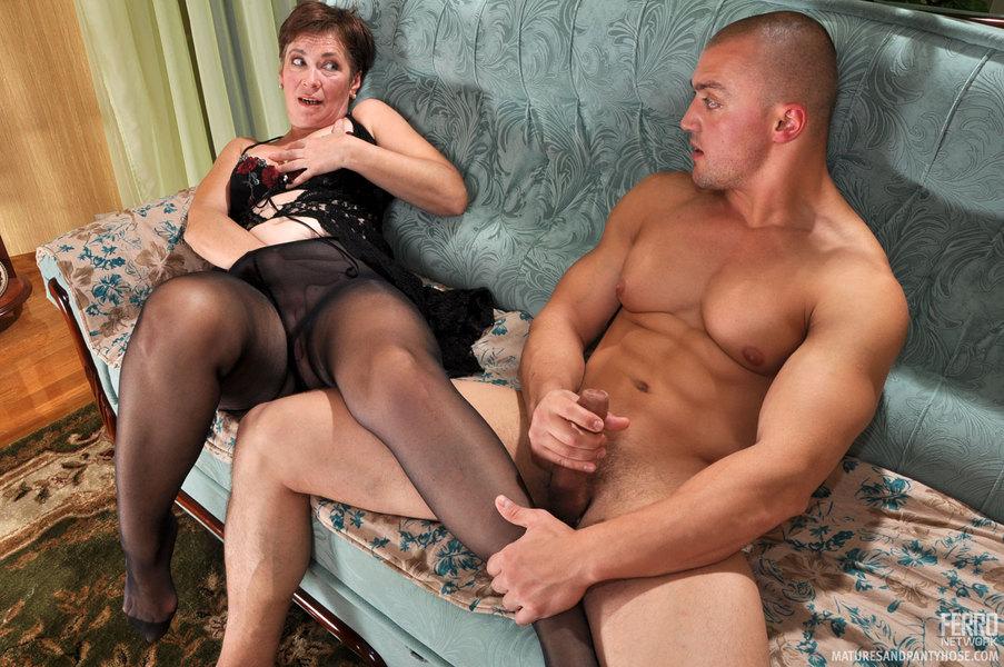 legjob black tights mommy Christiana