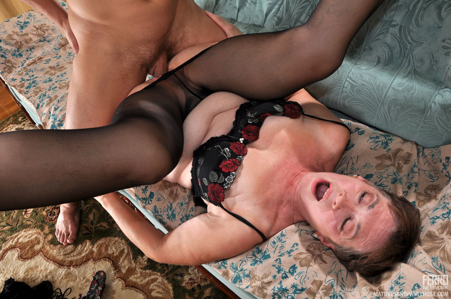 Matures and pantyhose horny