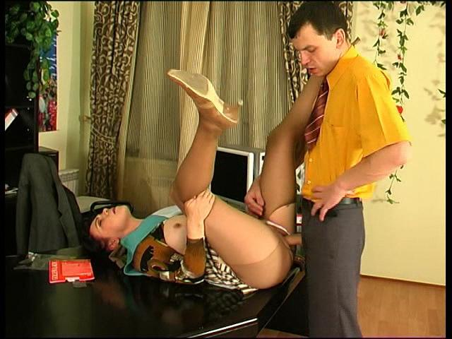 Lillian&Ralph pantyhose mom in action