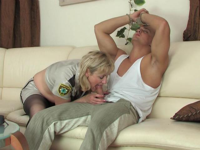 Emilia&Nicholas mature pantyhose action