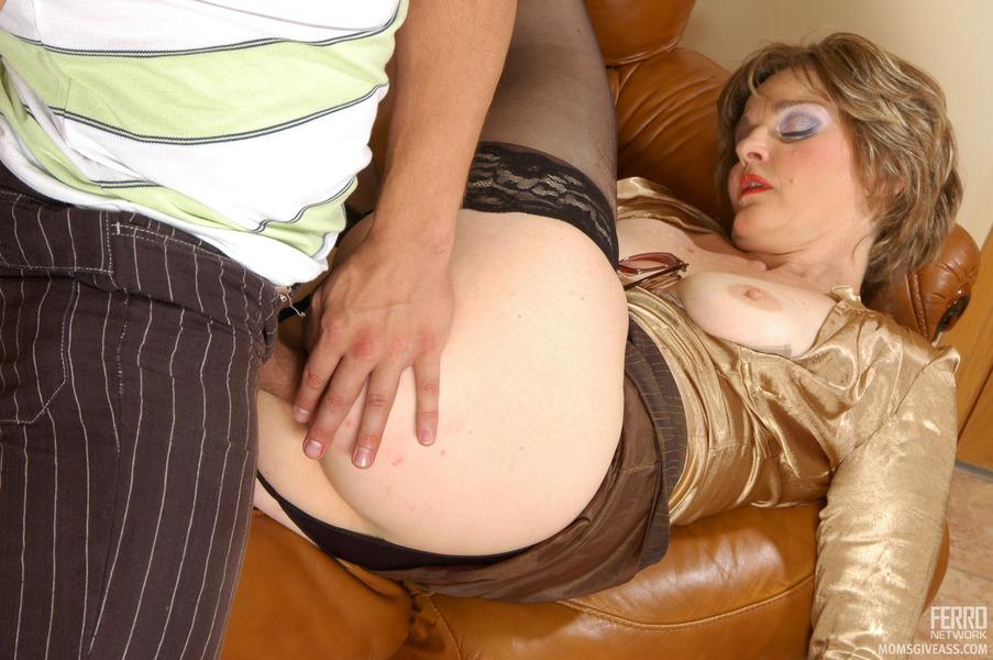 Moms having anal sex