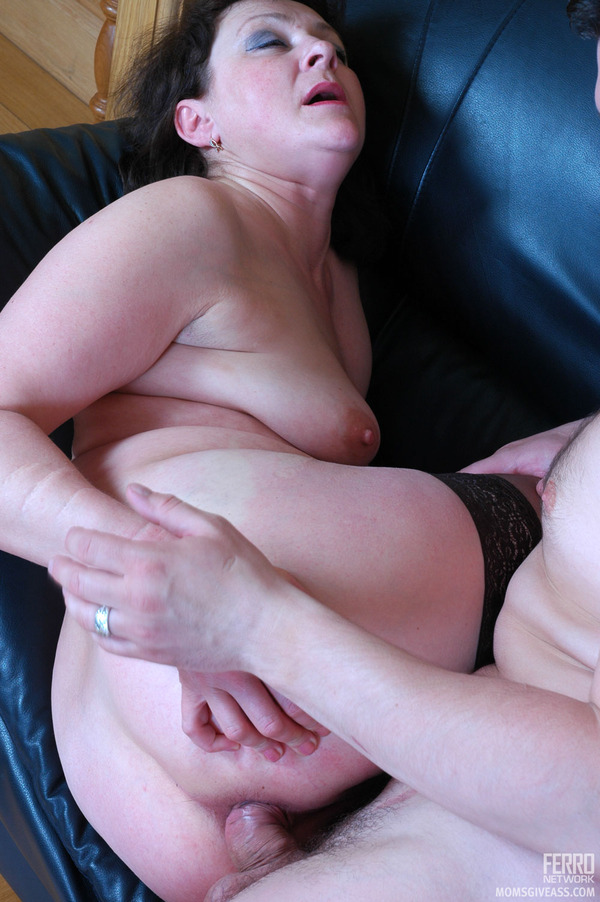 Sexually Excited Mom Finger Fucking Action