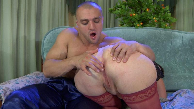 nikolas-anal