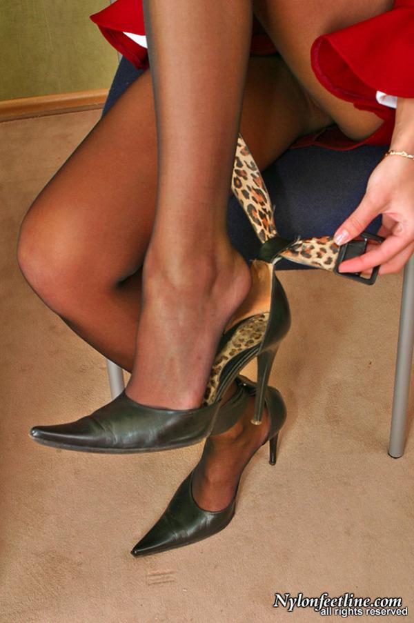 Milf female feet streams