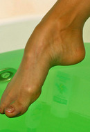 Nylon Feet