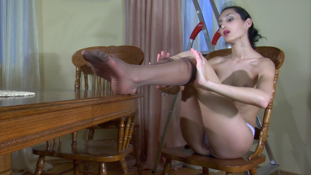 Cora nylon feet action