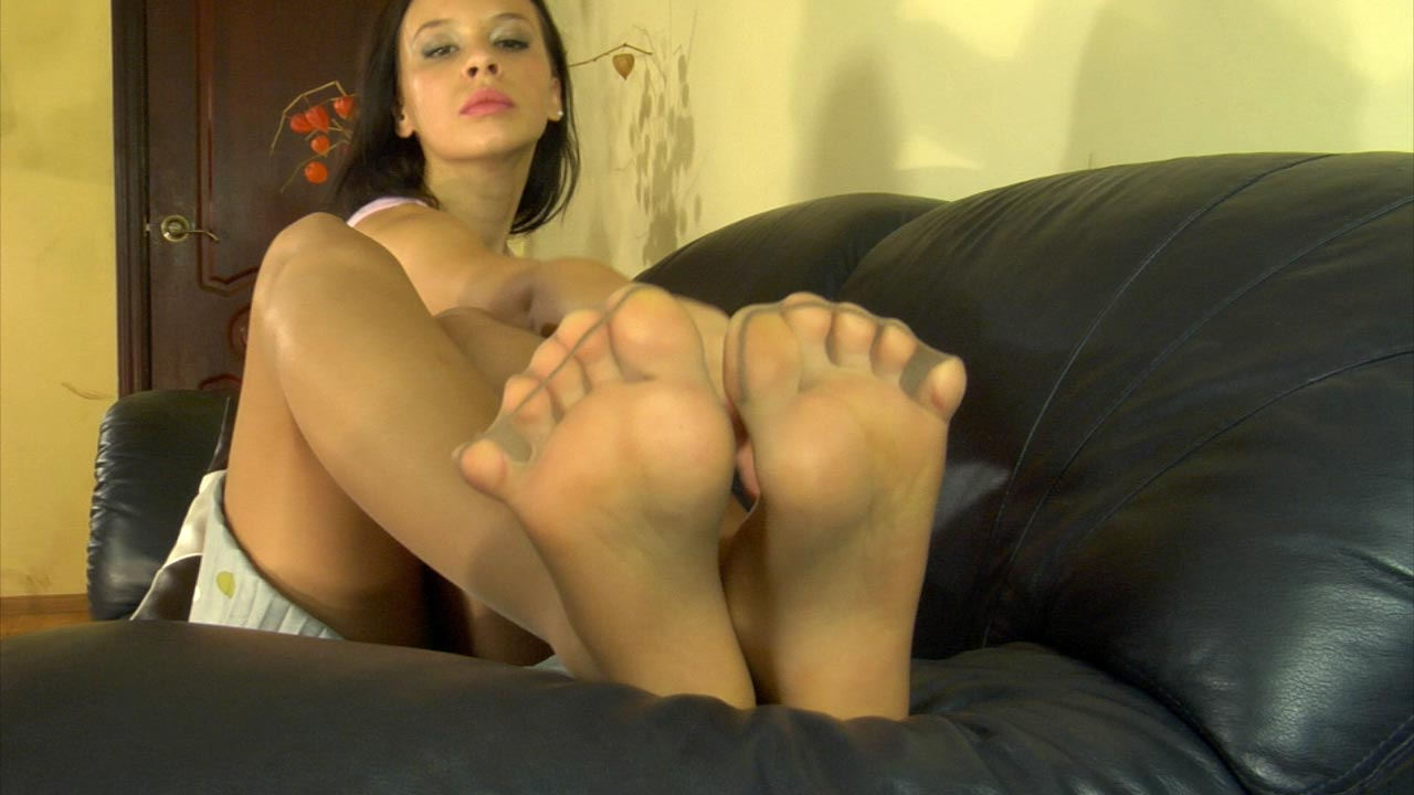 Mature nylon feet tickle