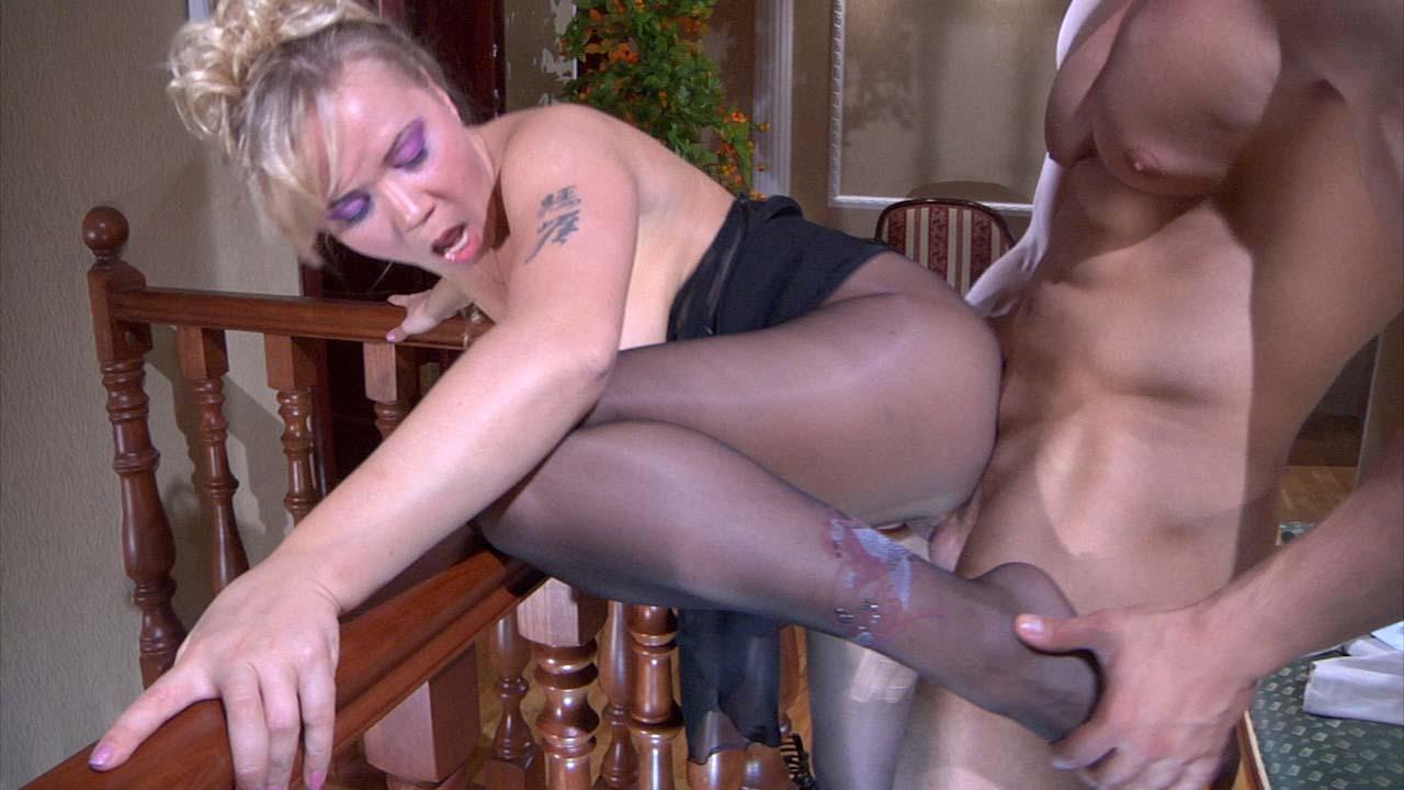 Порно видео колготки на зрелой даме