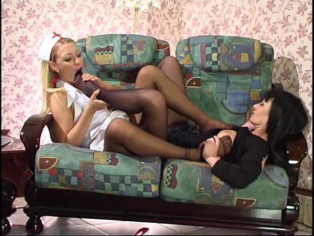 Ottilia & Rosaline great nylon feet movie