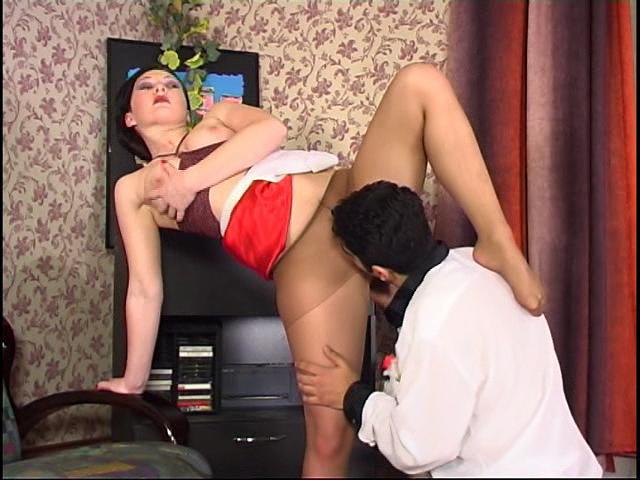 Gwendolen & Sebastian hot nylon footsex